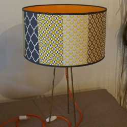lampe équipée avec du fil électrique textile torsadé