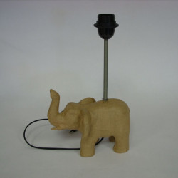 objet monté en lampe avec tige filetée