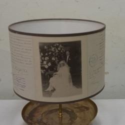 objet équipé en lampe avec une chandelle en laiton