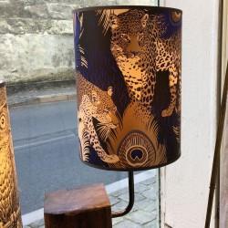 lampe bois avec abat-jour en papier peint Leopardo