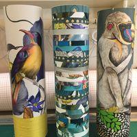 lampes cylindriques abat-jour et papier peint